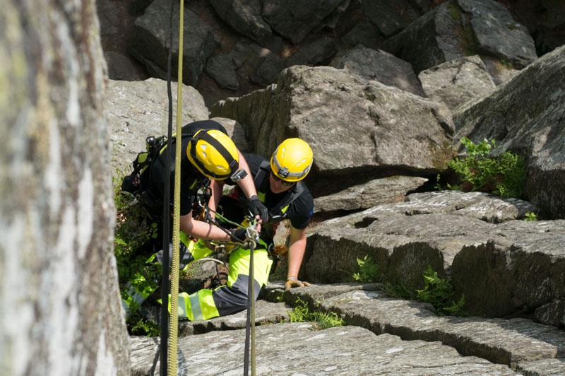 Welche Kletterausrüstung Brauche Ich : Ausbildungen kurse und seminare