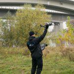 Gears Mitarbeiter mit Drohne